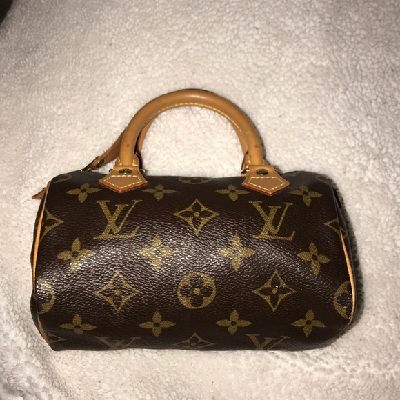 footwear ever popular fresh styles Small Vintage Louis Vuitton Leather Purse